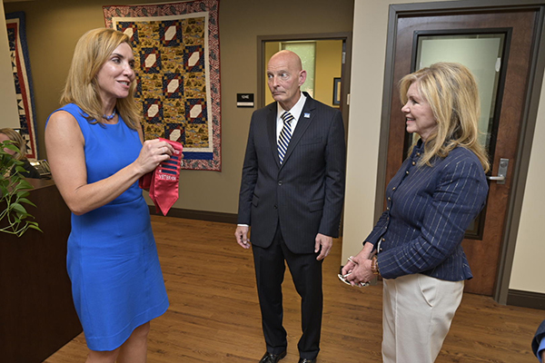 MTSU Daniels Veterans Center leaves impression on Sen. Blackburn