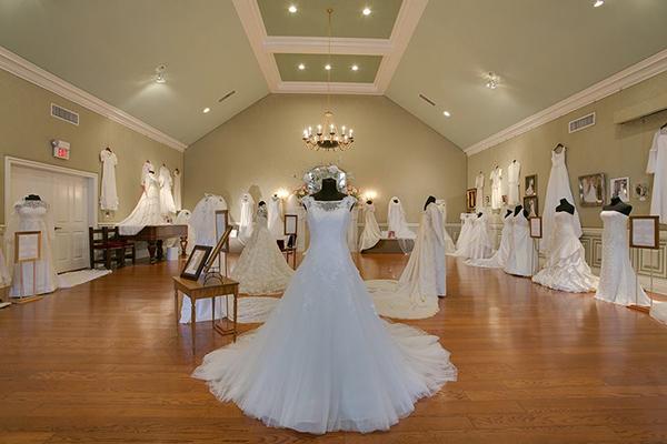 Oakslands Mansion to feature wedding dress exhibit