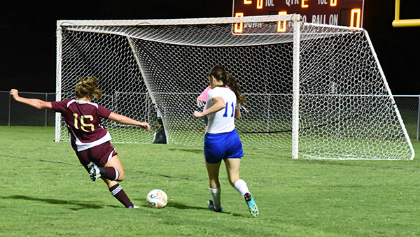 Soccer Lionettes record first win of season