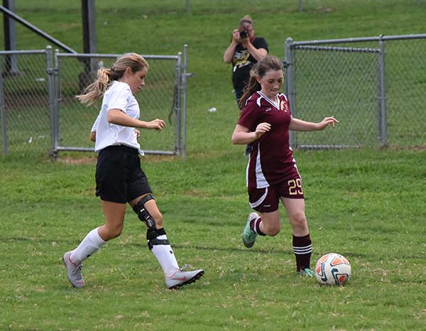 Lionettes fall to Smith County
